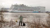 papenburg-meyer-werft-2013-norwegian-breakaway-002